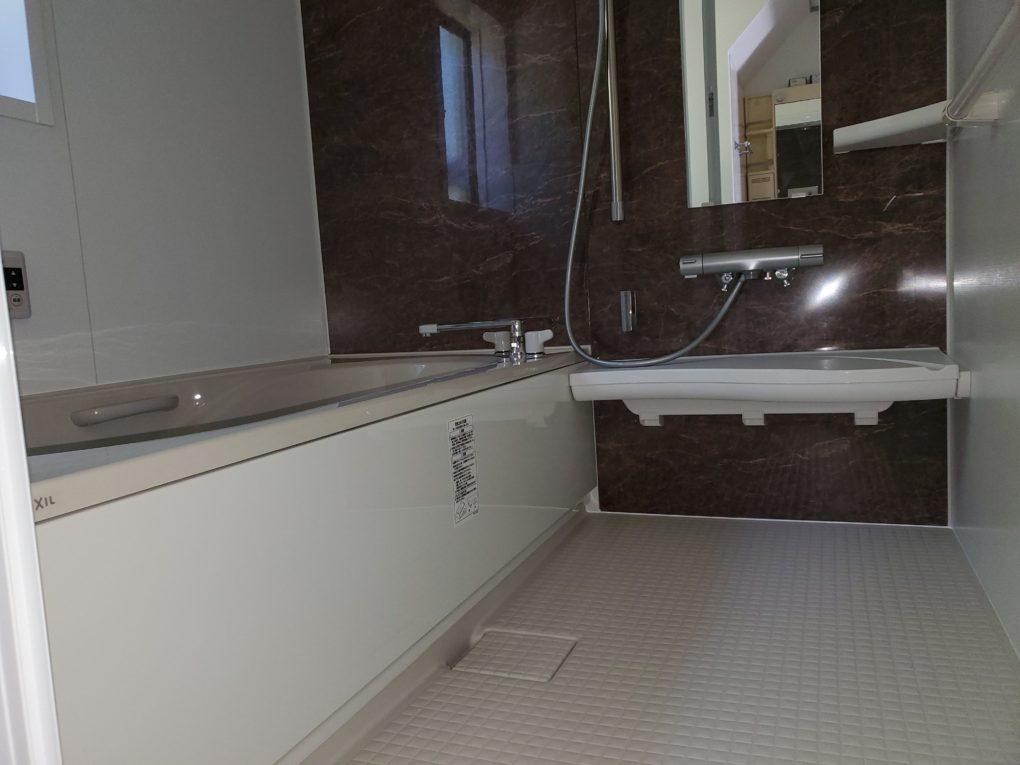 築20年以上の浴室を広々リフォーム! -長野市Y様邸-